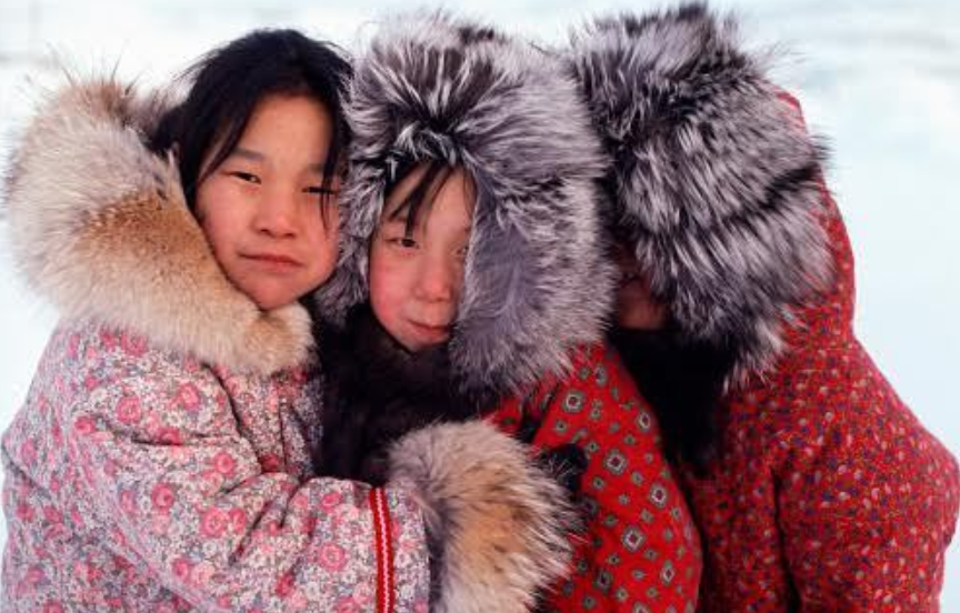 イヌイット民族とは?家や食事・服装は?エスキモーやアイヌとの違いは何?