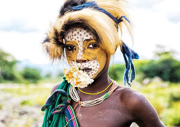 スリ族とは?唇がおしゃれな世界一ファッショナブルな民族!