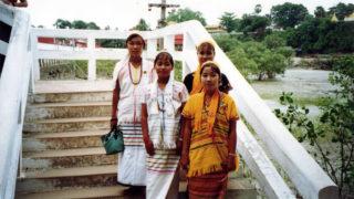 カレン族とは?ミャンマーの難民キャンプが居住地?言語や迫害の歴史も紹介!