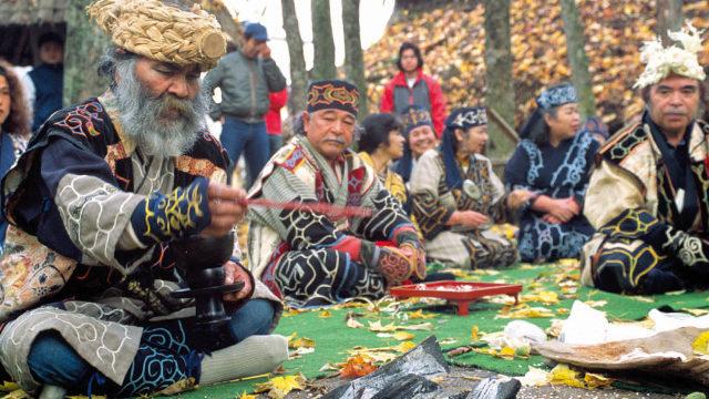 アイヌ民族とは?特徴や人口・言語は?衣装や踊り・食事など文化を徹底調査!